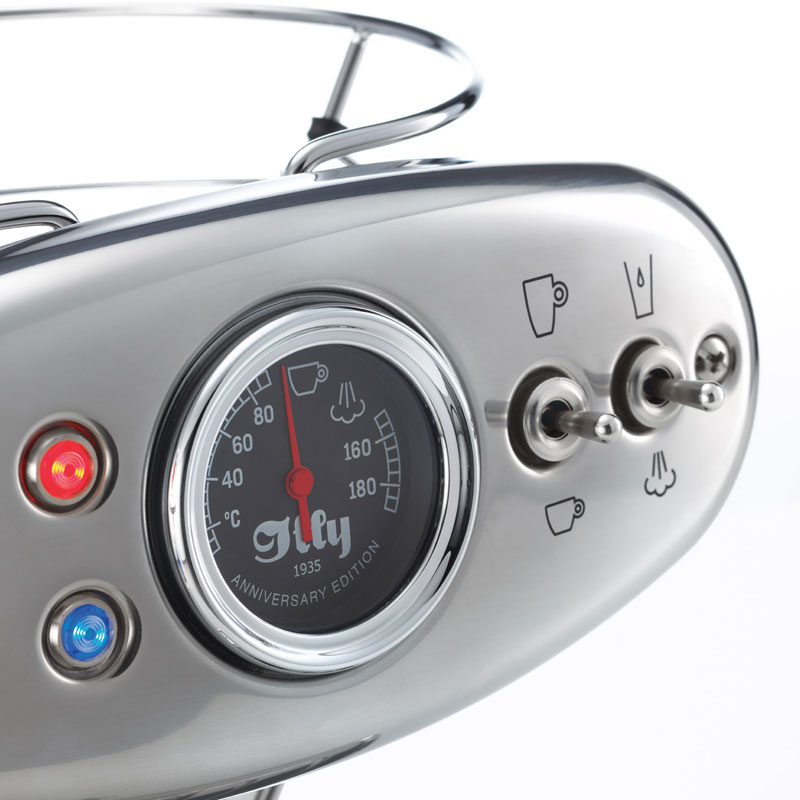 Stikala, kontrolne lučke in kazalec pritiska na nadzorni plošči