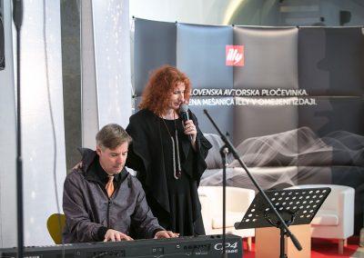 Šansonjerka Vita Mavrič in pianist Jaka Pucihar
