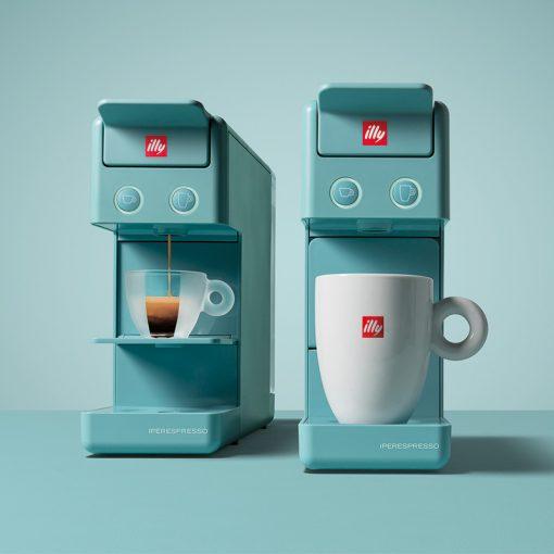 Kavni aparat illy Y3.2 Espresso&Coffee, za pripravo kratkega espressa in dolge (ameriške) kave